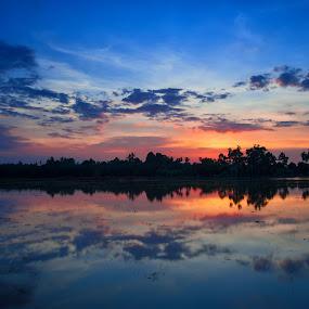 Amazing Sunset by Nuzul Taufiq - Landscapes Sunsets & Sunrises ( calm, kedah, sunset, sidamkiri, amazingsunset, nuzultaufiq )