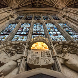 King's Chapel in Cambridge by Tomasz Karasek - Buildings & Architecture Places of Worship ( ceiling, stained glass, vaults, statue, stained glass window )