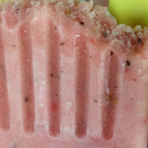 Strawberry Kiwi Banana Smoothie Pops