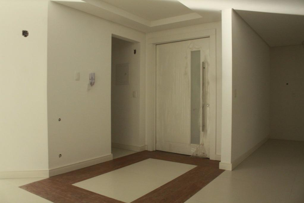 Apartamento de 4 dormitórios à venda em Planalto, Gramado - RS