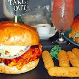 TakeOut Burger & Cafe(忠孝新生店)