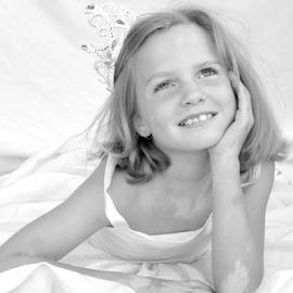 VIT004 by Elizabeth Liversage - Babies & Children Child Portraits