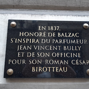 In 1837 Honoré de Balzac was inspired by Jean Vincent Bully and his pharmacy for his novel César Birotteau. Submitted by @schwanmitbrille.