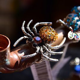 Brilliant Spider by Marco Bertamé - Artistic Objects Jewelry ( red, metal, copper, spider, brilliant, yellow )