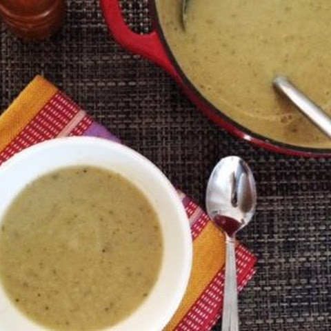"Low Carb ""Potato"" Leek Soup"