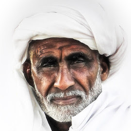 Khoji by Abdul Rehman - People Portraits of Men ( wrinkles, pakistan, white beard, sadness, sad, turban, white, beard, man, eyes )