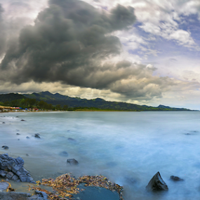 Montepio beach by Cristobal Garciaferro Rubio - Landscapes Travel ( clouds, shore, mexico, sea, long exposure, storm clouds )
