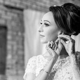 Final Touches by Lood Goosen (LWG Photo) - Wedding Bride ( wedding photography, wedding photograpehrs, wedding day, weddings, wedding, brides, brideal session, wedding photographer, bride )