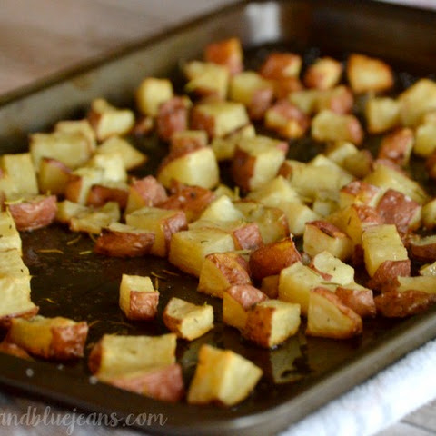 Roasted Red Potatoes With Rosemary and Thyme