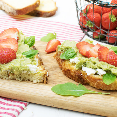Avocado, Strawberry & Goat Cheese Tartines [vegetarian]