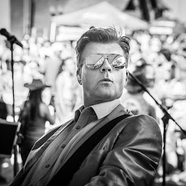 Rockin the Dino Martinis by David Kotsibie - People Musicians & Entertainers ( music, concert, reflection, muscian, black and white, crowds, silver, suit, reflections, singer, crowd, sunglasses, stage )