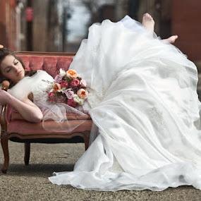 The Urban Bride by Elizabeth Craig - Wedding Bride ( bridal inspiration session, wedding photography, urban wedding photography )