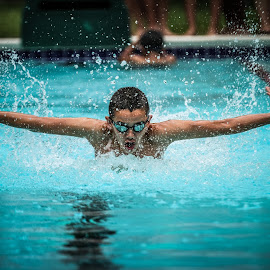 Raymond doing fly by Ray Welgosh - Sports & Fitness Swimming ( butterfly swimming )
