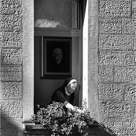 Walls of Silence by Dervisevic Photographyy - People Portraits of Women ( people )