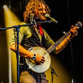 by Jeremy Elliott - People Musicians & Entertainers