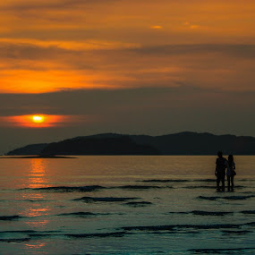 Sunset with couple inlove by Juanis Attau - Landscapes Sunsets & Sunrises ( sunset, lover in love sunset )