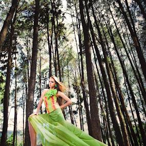 Beautiful Julia by Irwan Kairuman - People Fashion