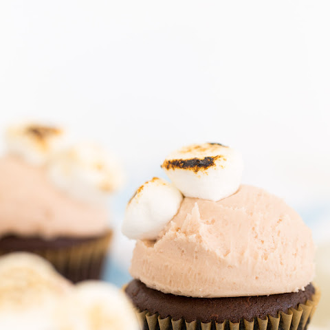 Chocolate Cupcakes with Dunkin Donuts Hot Chocolate Frosting
