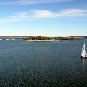 Sailing by Leif Holmberg - Landscapes Waterscapes ( sailing, finland, archipelago, turku, airisto, , water, device, transportation )