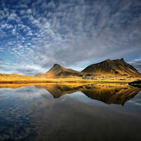 Silence  by Þorsteinn H. Ingibergsson - Landscapes Cloud Formations