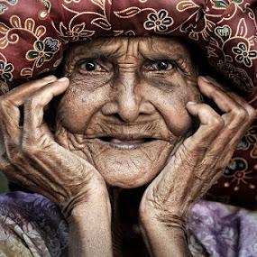 tok II by Chegu Diman - People Portraits of Women ( chegu diman )