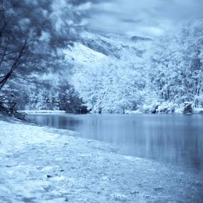 Anawangin Infrared by Mark Louie Meru - Landscapes Mountains & Hills ( makymeru, zambales, anawangin )