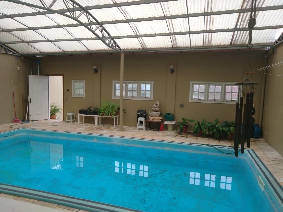 Casa com quartos para Alugar, 67 m²