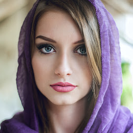 Blue eyes by Joita Gigi - People Portraits of Women ( girl, blue, beauty, scarf, portrait, eyes )