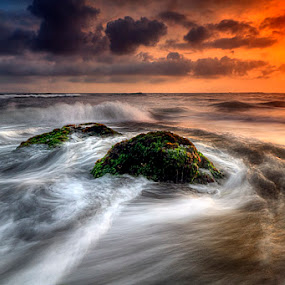 water spins by Tut Bolank - Landscapes Waterscapes ( legian, kuta, sea breeze, seseh beach )