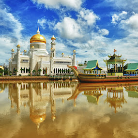 by Siew Jun Han - Buildings & Architecture Places of Worship ( reflection, islam, mosque, brunei, boat )