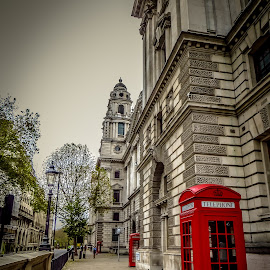 Phone Booth by Paulo Peres - City,  Street & Park  Historic Districts ( england, red, london, phone booth, city )