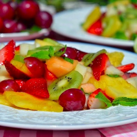 Light Fruit Salad With Lemon Cream