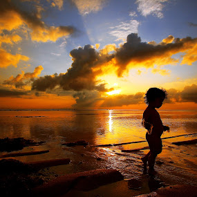The Child Sun by Alit  Apriyana - Babies & Children Children Candids