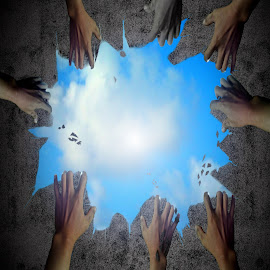 bebas by Qoqo Zuhair - Digital Art People ( langit, kuat, pasir, biru, udara, usaha, manusia, tangan, bebas, mendung, bersama )