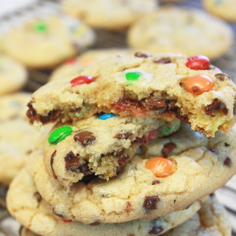 Mini M&M's and Chocolate Chip Cookies