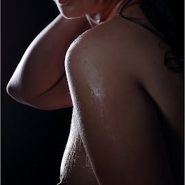 Back light by Clifford Els - Nudes & Boudoir Artistic Nude
