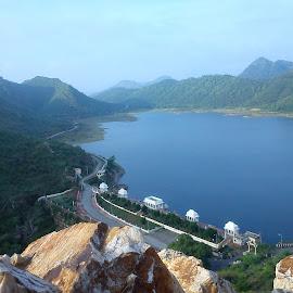 Badi Lake, Udaipur by ShübhÅm JÅïn - Instagram & Mobile Android ( mountain, waterscape, udaipur, landscape, mobile )