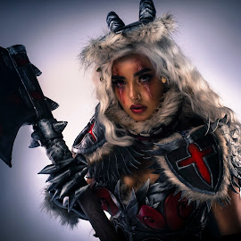 Witcher by Joshua Clifford - People Fashion ( cosplay, fur, armor, long hair, gloves, white hair, angry, female, portriat, posing, axe,  )