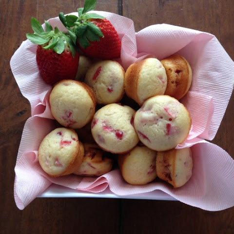 Strawberry Mini Muffis