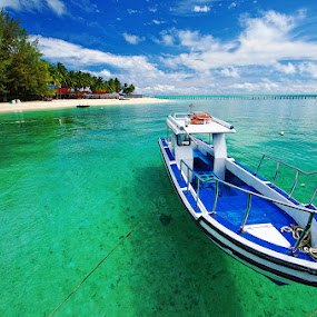 Derawan Island by Taufiqurakhman Ab - Landscapes Travel