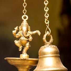 Dancing Ganesha by Amit Aggarwal - Artistic Objects Antiques ( god, 2015, yellow, sunlight, mela, haryana, bell, metal, artistic, faridabad, dancing ganesha, handicrafts, surajkund, golden )