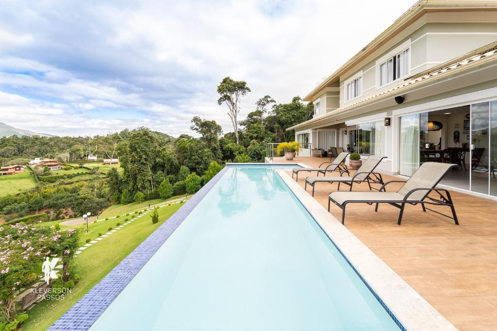 Porteira fechada - Condomínio Aldeia Eco da Floresta! Casa com 694 m², piscina aquecida, sauna, área gourmet e muito espaço com vista espetacular.