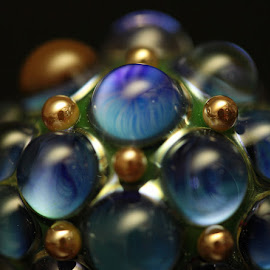 Lampwork bead by Magda Sotolova - Artistic Objects Glass