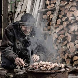 Первый весенний шашлычек. #шашлыки #деревня #пиво #отдыхаем #дрова #село by Nikolajs Slahta - Instagram & Mobile Android