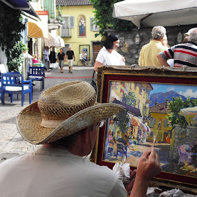 Painter photographed by Emilie Robert - City,  Street & Park  Street Scenes ( market, village, street, scene, photographed, town, painter, view, painting )