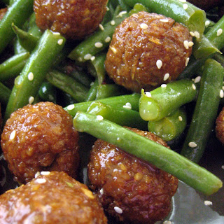 Thai-Spiced Tempeh with Green Beans in an Apple and Lemongrass Glaze