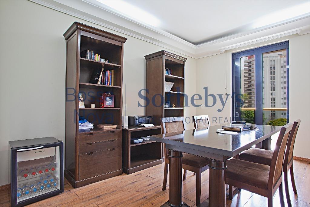 Suntuoso apartamento  Vila Nova Conceição, São Paulo.