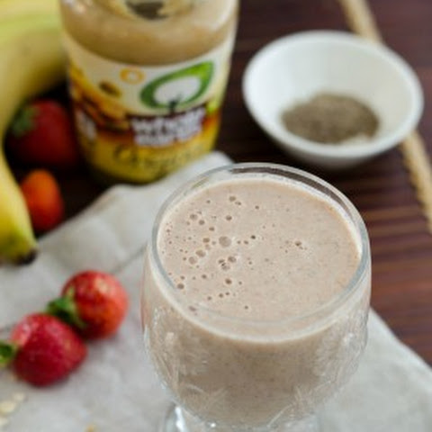 The Healthy Elvis Smoothie – Peanut Butter, Banana and Strawberry Chia Jelly