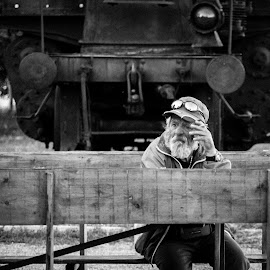 break by Laci Molnar - People Portraits of Men ( break, bw, candid, old man, man )