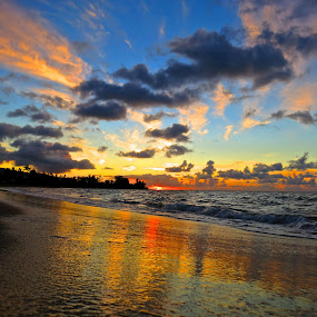 sunset by Leimaile Guerrero - Landscapes Sunsets & Sunrises ( sunset, hawaiian beach, beach )